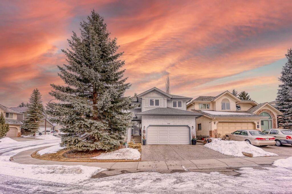 Calgary Real Estate Photographer - Scenic Acres